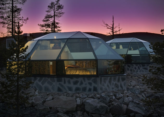 Hotel-Kakslauttanen-Glass-Igloo-Village-Hotel-in-Finland-3