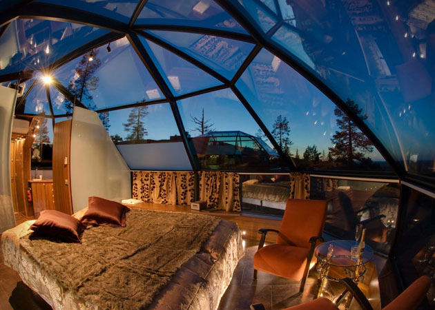 Hotel-Kakslauttanen-Glass-Igloo-Village-Hotel-in-Finland-6