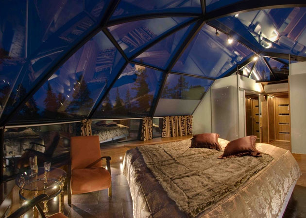 Hotel-Kakslauttanen-Glass-Igloo-Village-Hotel-in-Finland-8