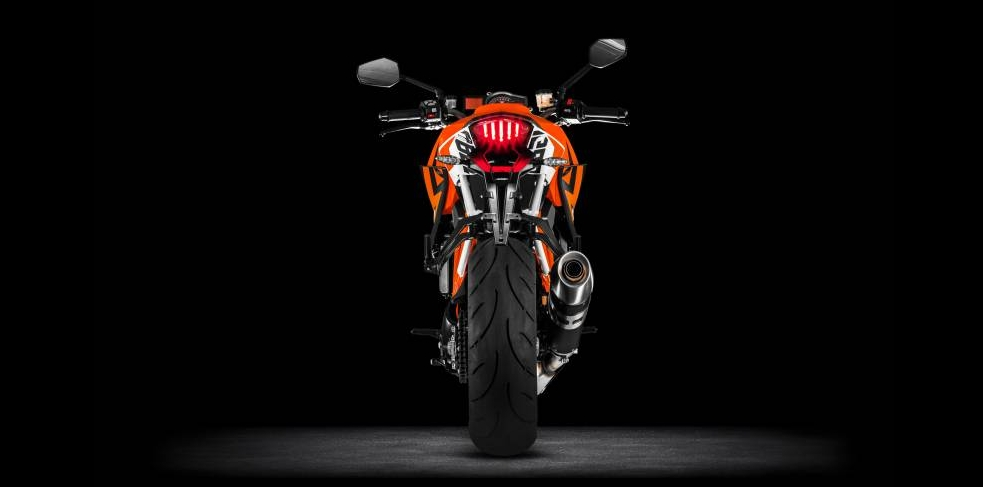 ktm-1290-super-duke-r-official-pics-and-specs-surface-photo-gallery 11