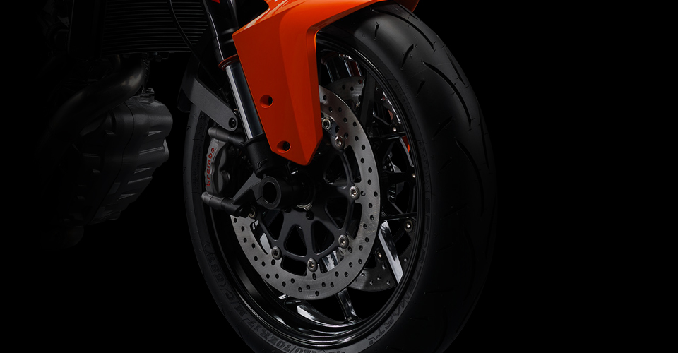 ktm-1290-super-duke-r-official-pics-and-specs-surface-photo-gallery 7