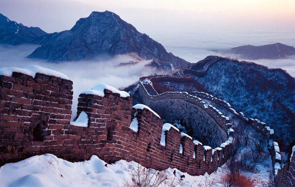 great-wall-under-snow-china