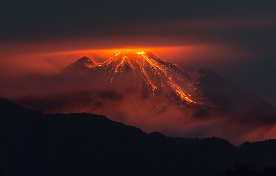 the-eruption-of-reventador-volcano-ecuador