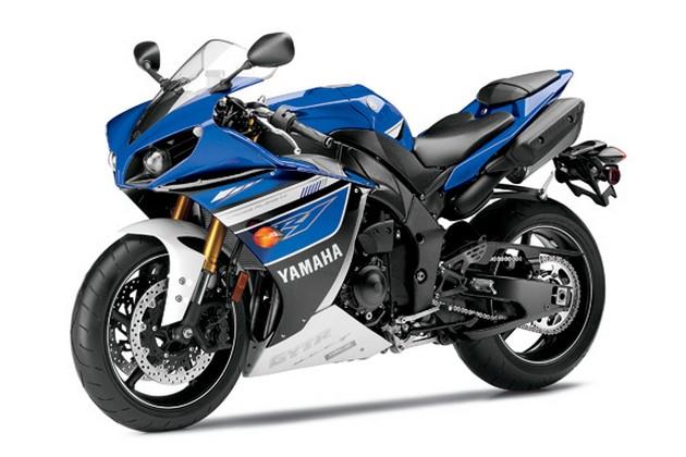2013-Yamaha-YZF-R1-14