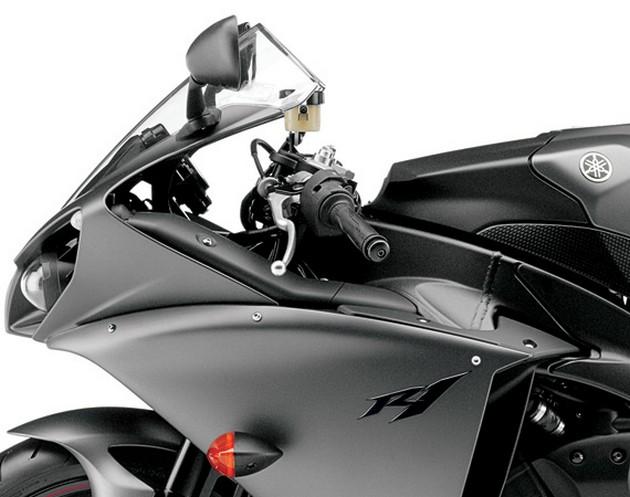 2013-Yamaha-YZF-R1-6