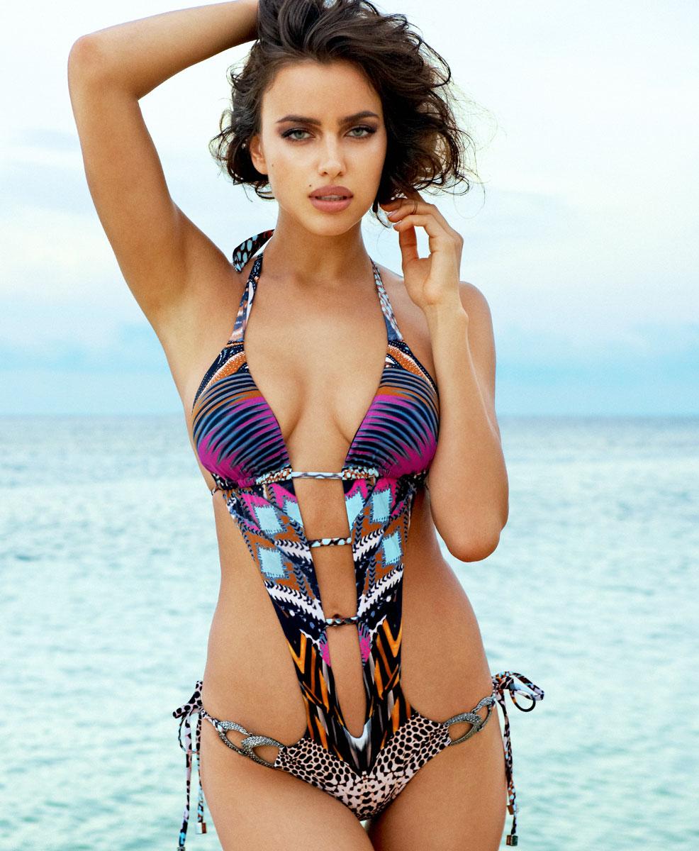 Irina-Shayk-Beach-Bunny-Swimwear-3
