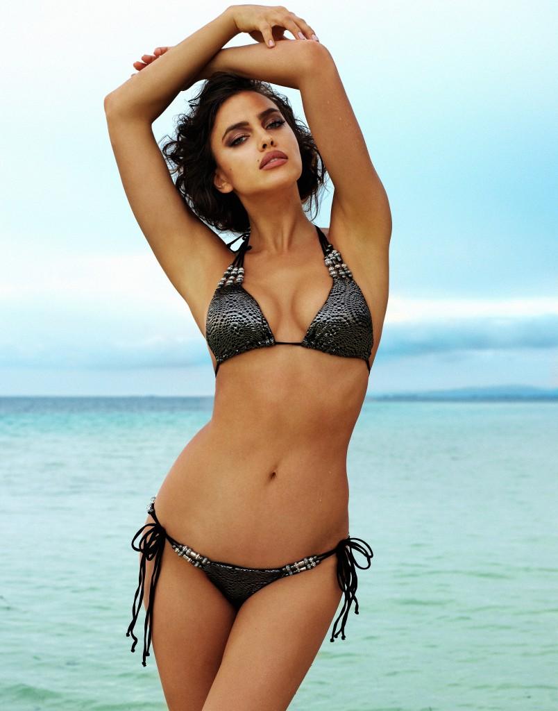 Irina-Shayk-Beach-Bunny-Swimwear-4-804x1024