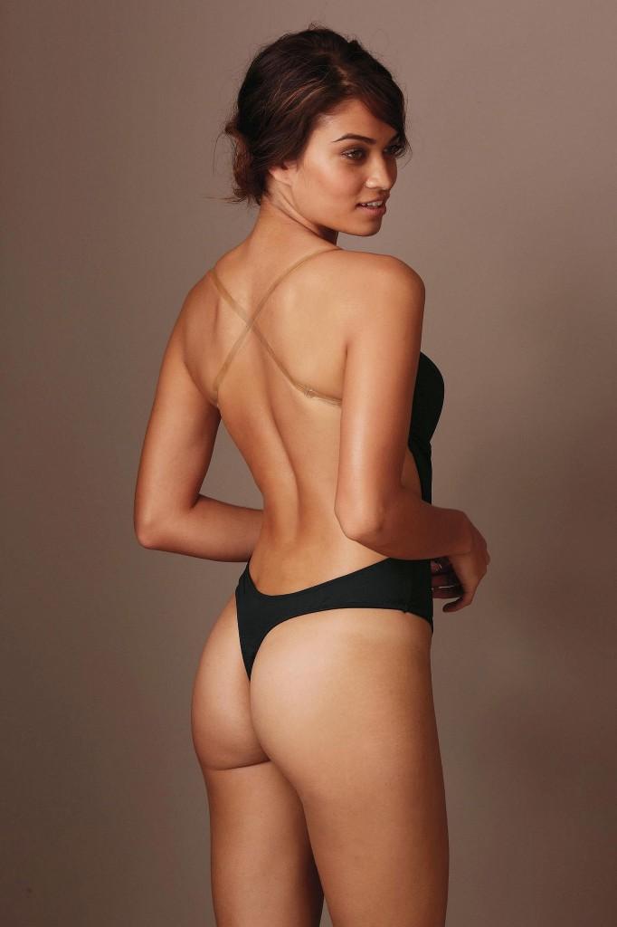 Shanina-Shaik-Next-lingerie-10-682x1024