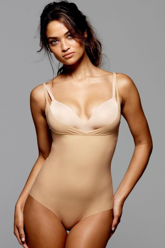 Shanina-Shaik-Next-lingerie-22-682x1024