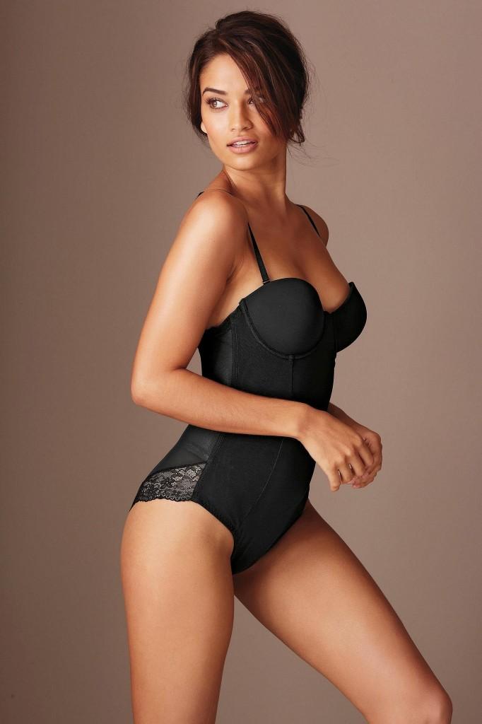 Shanina-Shaik-Next-lingerie-33-682x1024