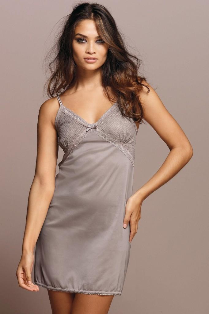 Shanina-Shaik-Next-lingerie-37-682x1024