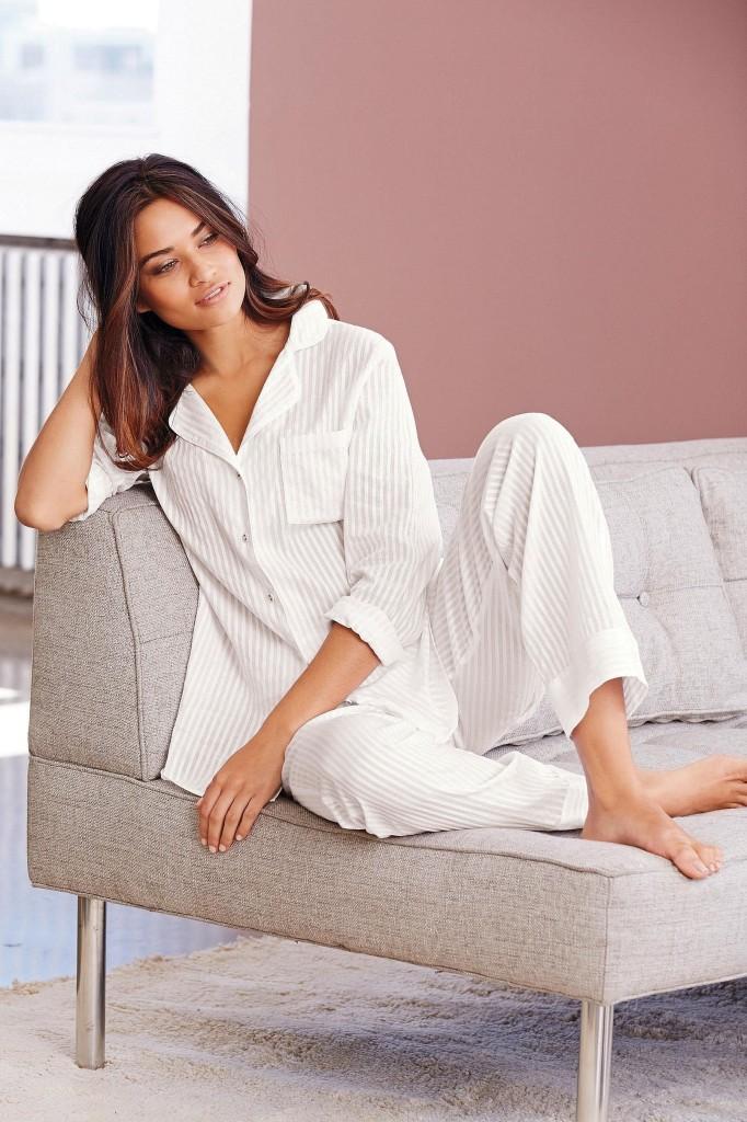 Shanina-Shaik-Next-lingerie-38-682x1024