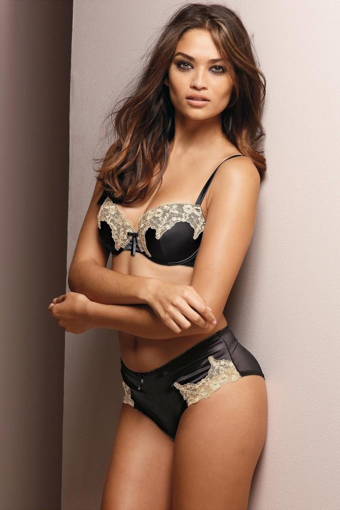 Shanina-Shaik-Next-lingerie-5-682x1024