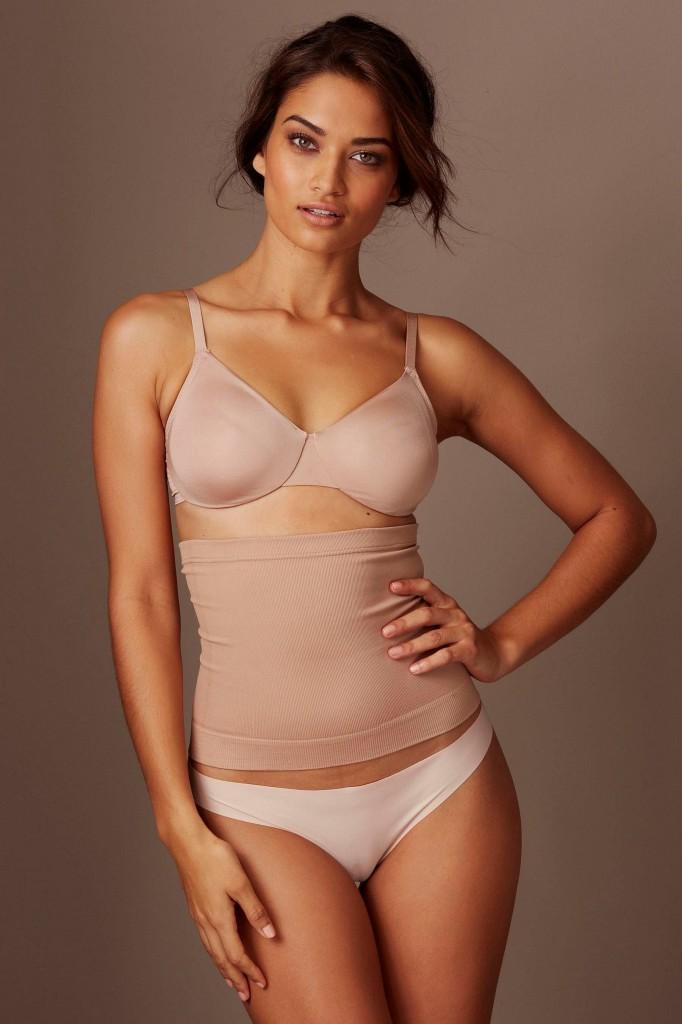 Shanina-Shaik-Next-lingerie-9-682x1024