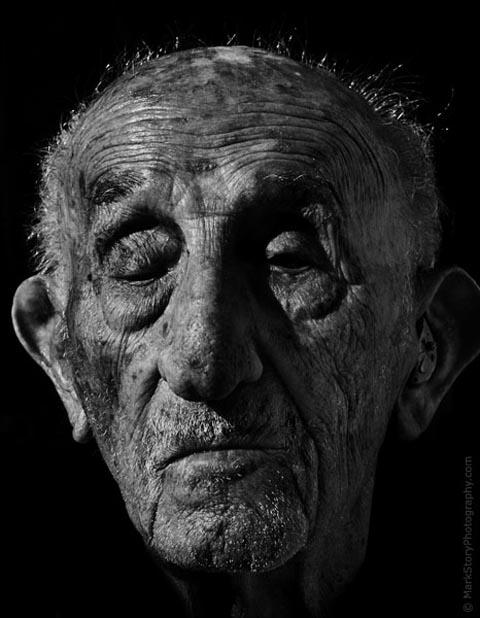 84-600-centenarian zpse380769a