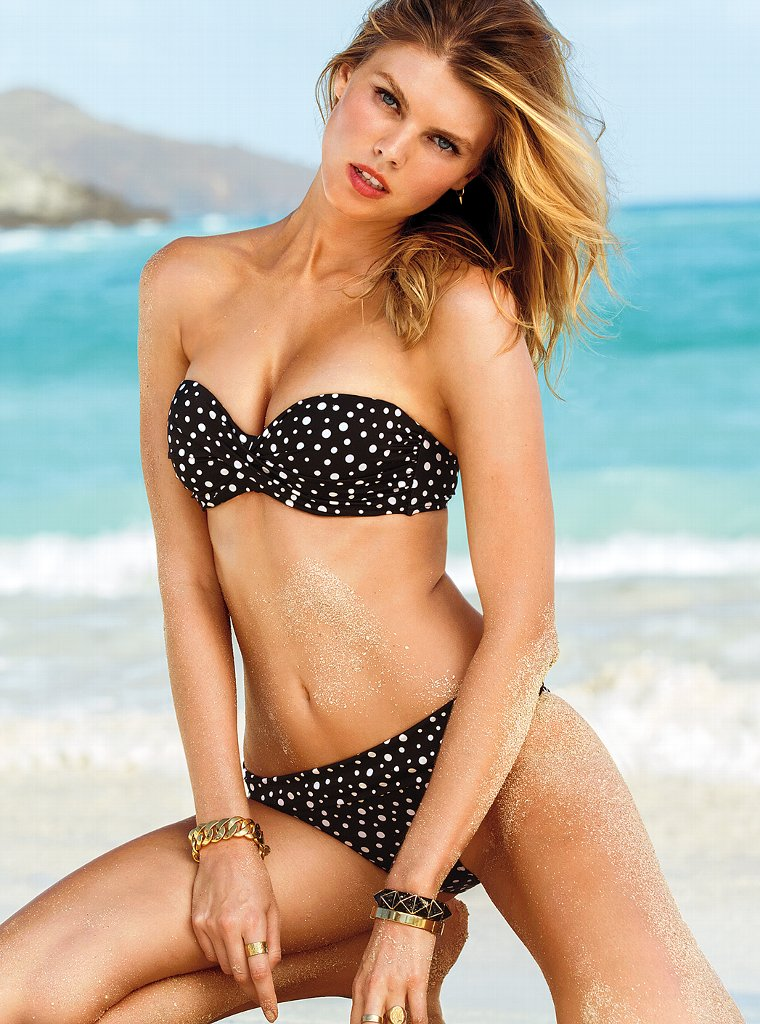 Maryna-Linchuk-VS-Swimwear-3