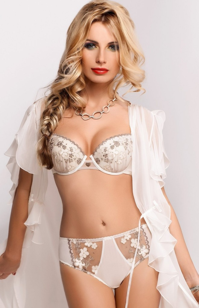 Sandra-Brec-Sawren-lingerie-19-660x1024