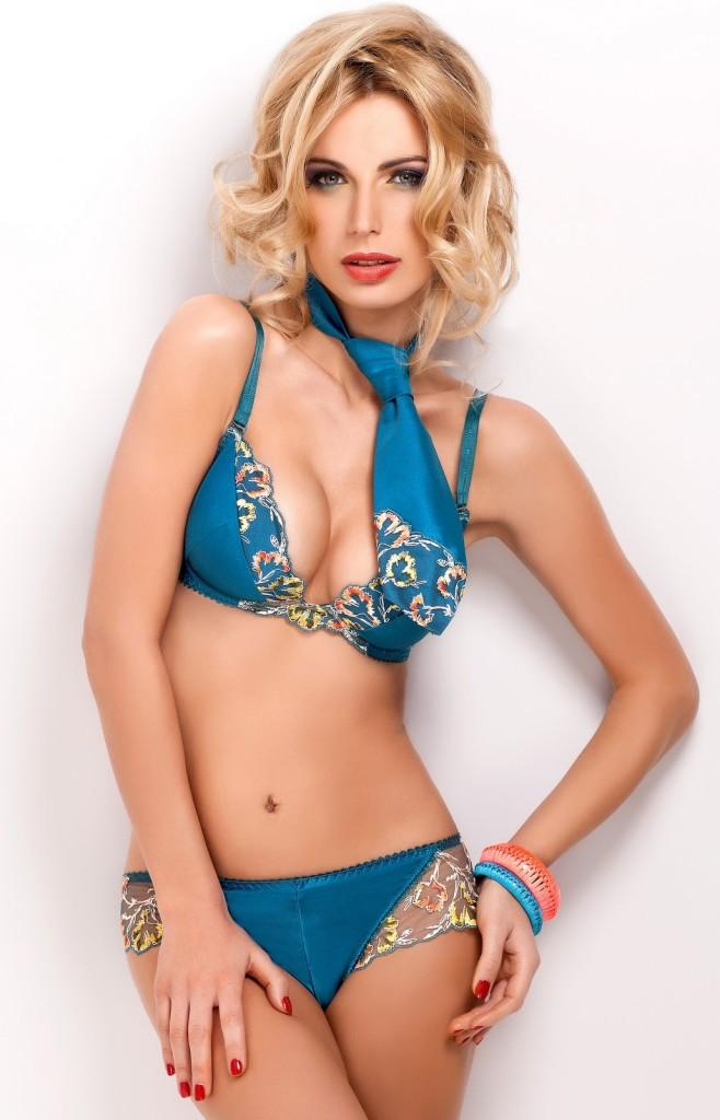 Sandra-Brec-Sawren-lingerie-5-658x1024