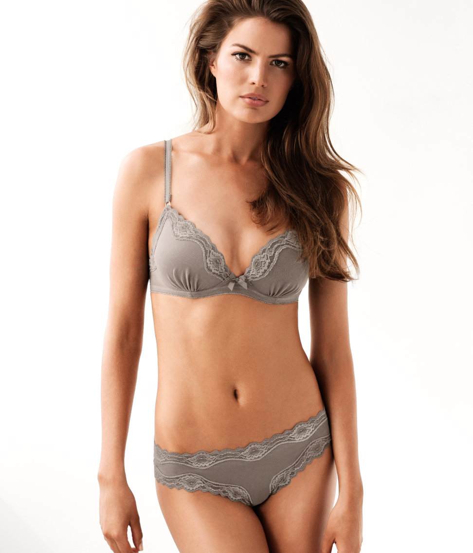 Cameron-Russell-HM-lingerie-2