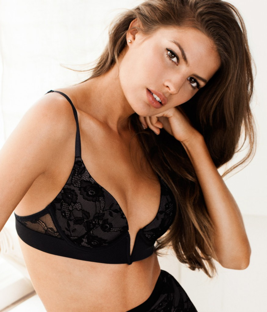 Cameron-Russell-HM-lingerie-20-875x1024