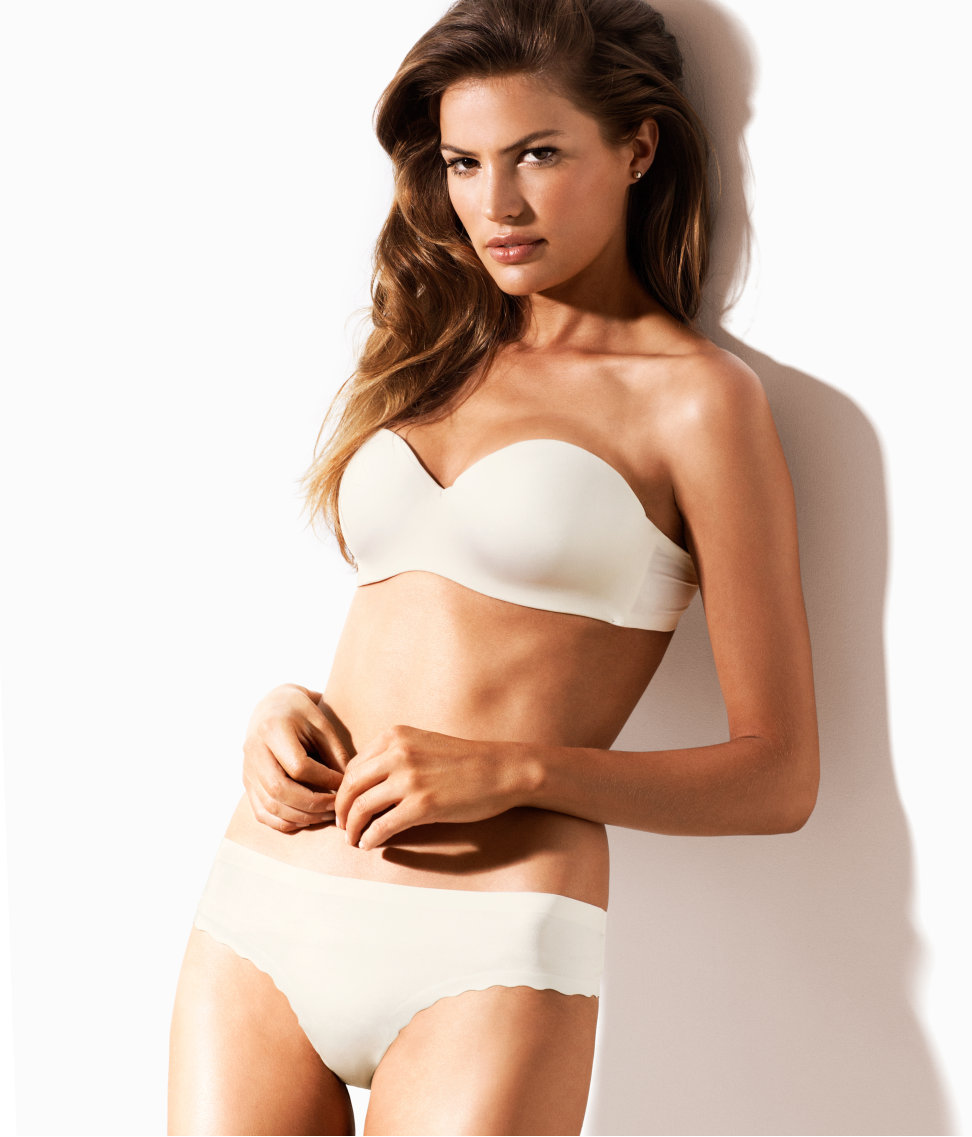 Cameron-Russell-HM-lingerie-4
