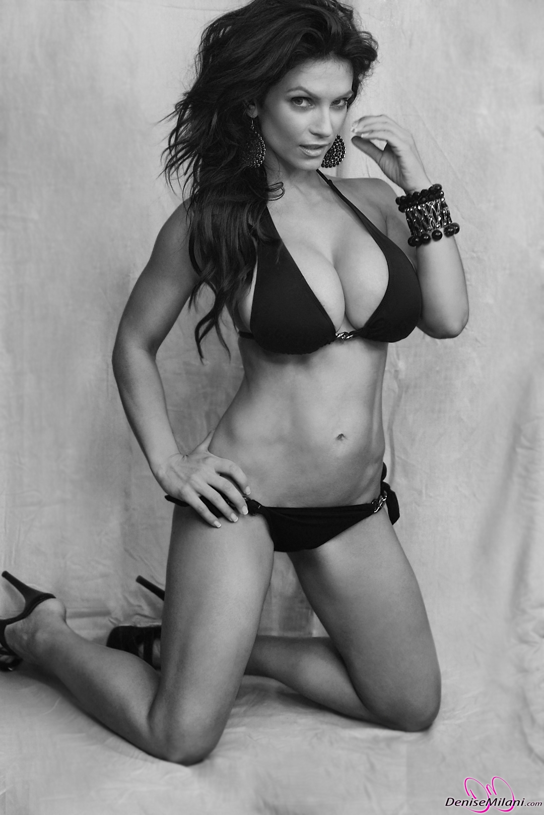Denise-Milani-Black-and-White-1