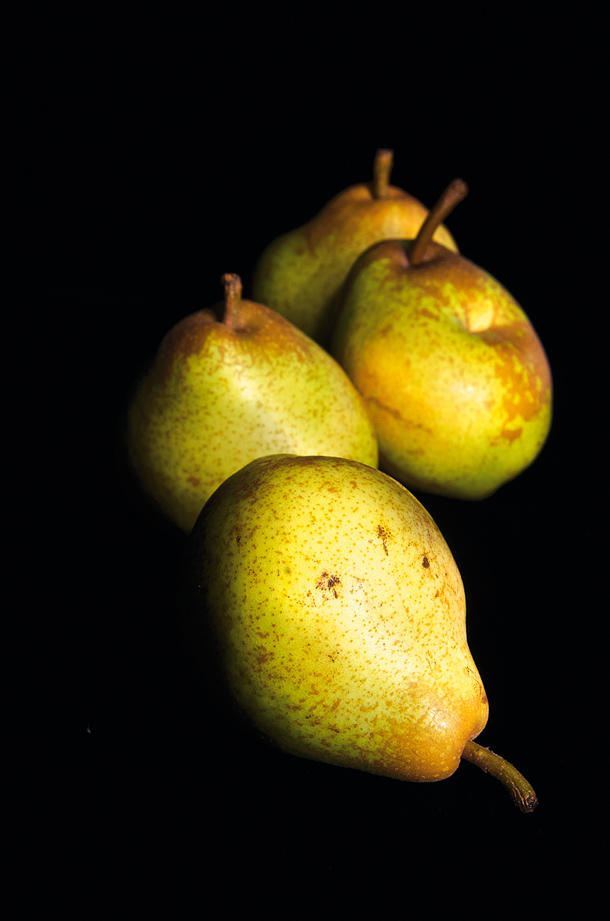 Still life photographers lighting techniques NIK15.zone 7.pears