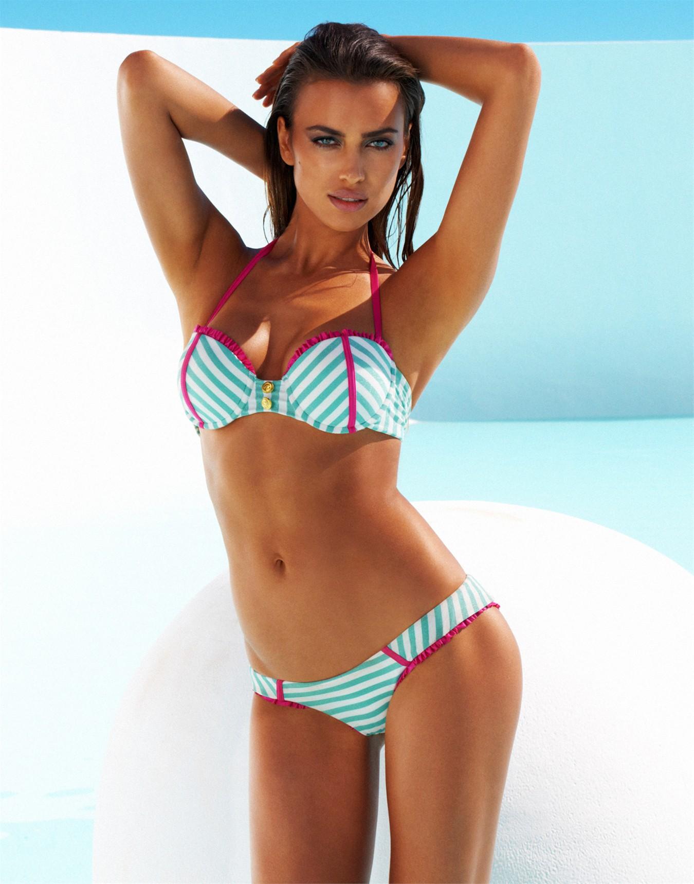 Irina-Shayk-beach-bunny-3