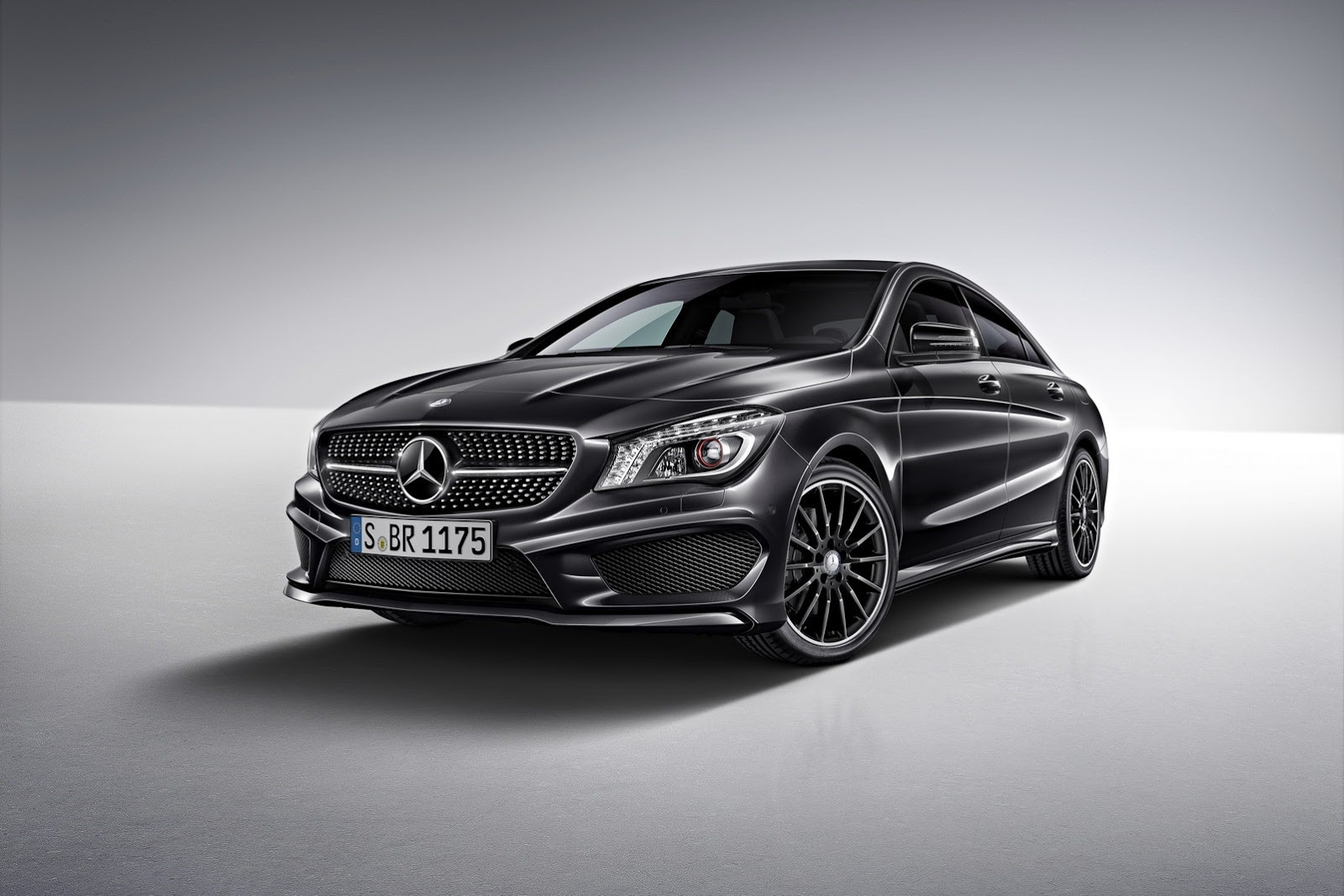 2014-Mercedes-Benz-CLA-Limited-Edition-1-1