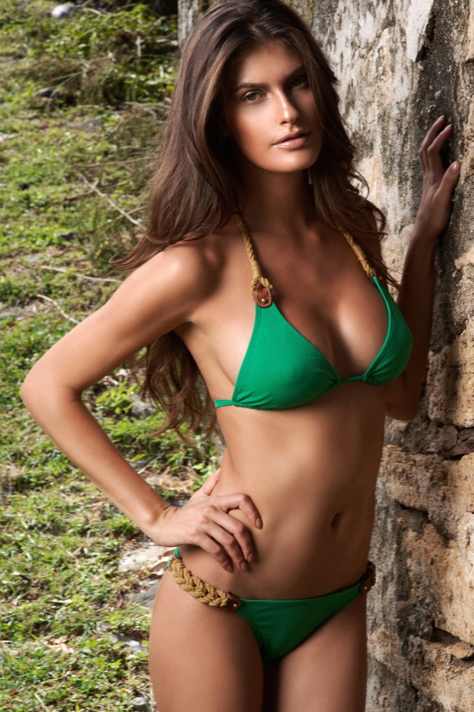 Caroline-Francischini-despi-swimwear-5-682x1024