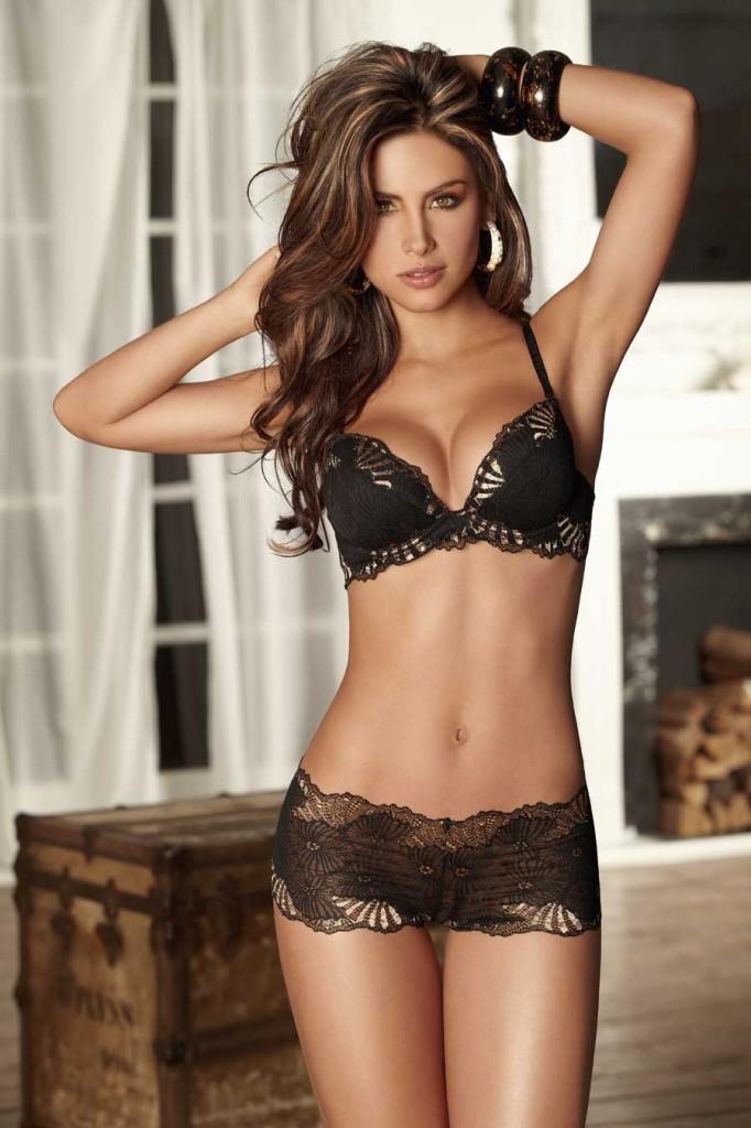 Jessica-Cediel-lingerie-6-682x1024