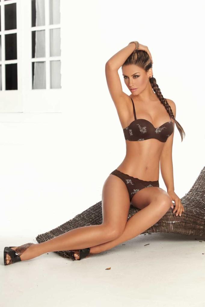 Jessica-Cediel-lingerie-80-682x1024
