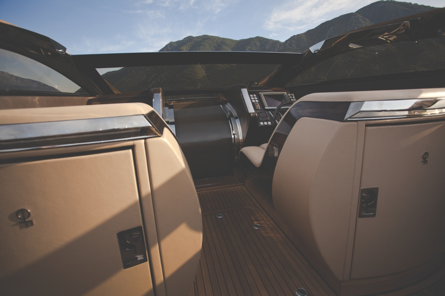 Luxury-Yacht-Design-07
