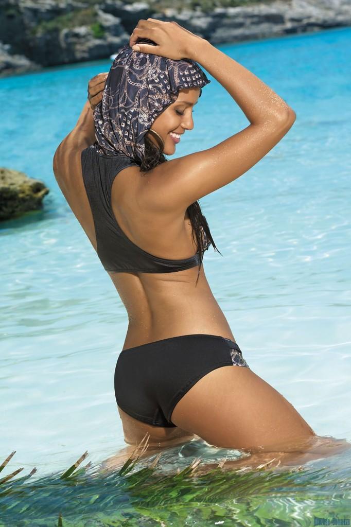 Chelina-Manuhutu-Marc-Andre-swimwear-31-682x1024