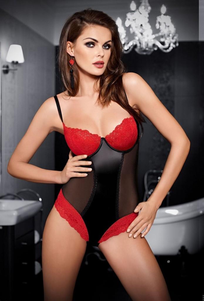 Sylwia-Dorenda-Tessoro-lingerie-11-695x1024
