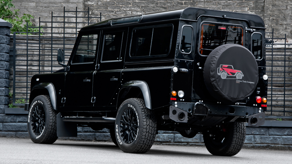 land-rover-defender-7-seater-gets-kahn-custom-touch-photo-gallery 5