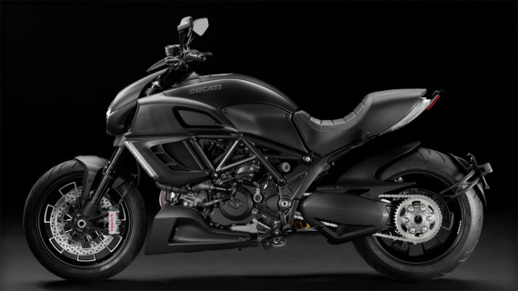 ducati-diavel-dark-motorcycle-02