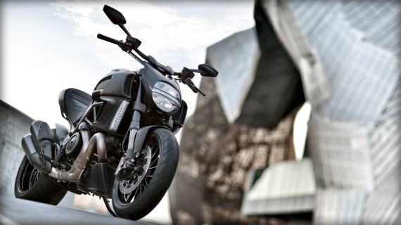 ducati-diavel-dark-motorcycle-08