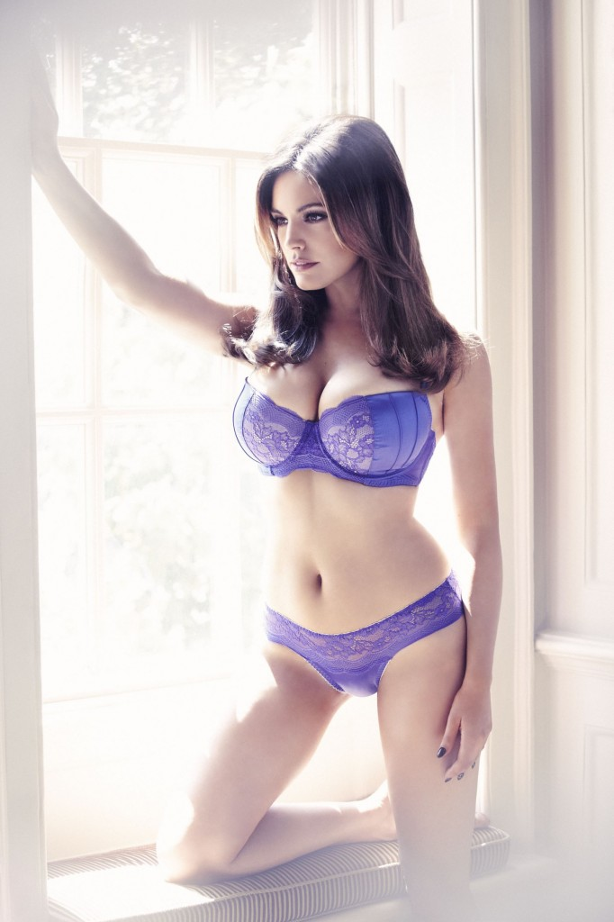 Kelly-Brook-New-Look-lingerie-1-682x1024