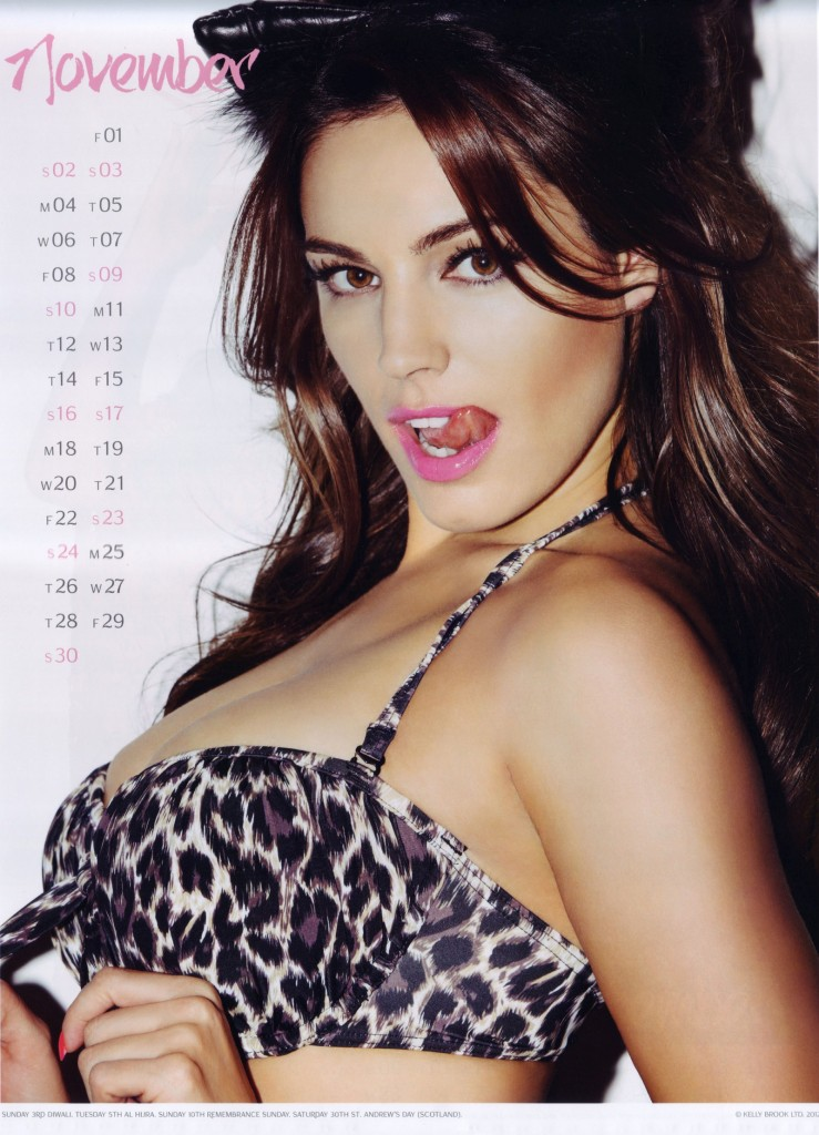Kelly-Brook-2013-Calendar-12-739x1024