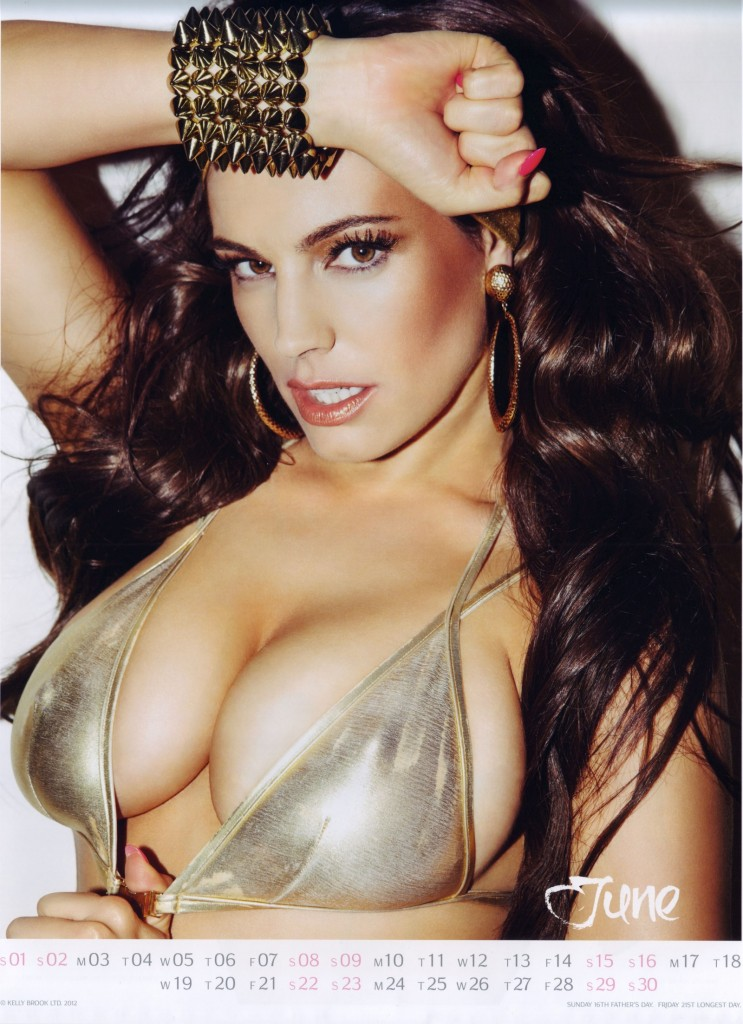 Kelly-Brook-2013-Calendar-7-743x1024