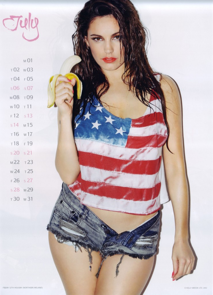 Kelly-Brook-2013-Calendar-8-740x1024