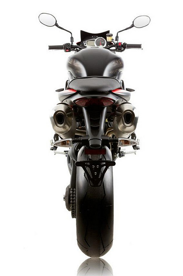 Triumph-Speed-Triple-R-Dark-Motorcycle-5