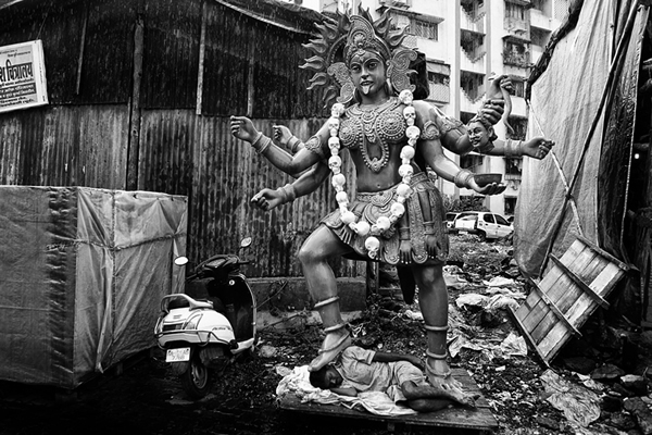 indian street photography bw 32
