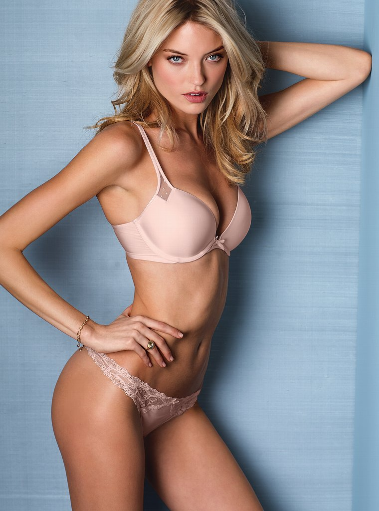 Martha-Hunt-VS-lingerie-8