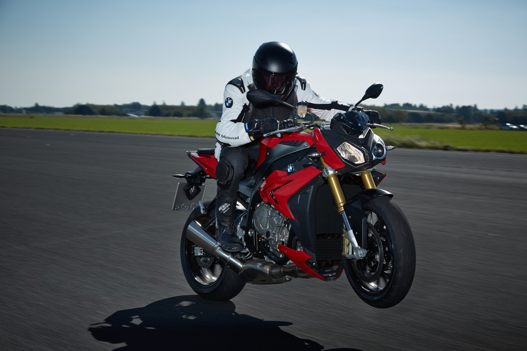 2014-bmw-s1000r-even-more-evil-than-the-rr-photo-gallery 15-1024x683
