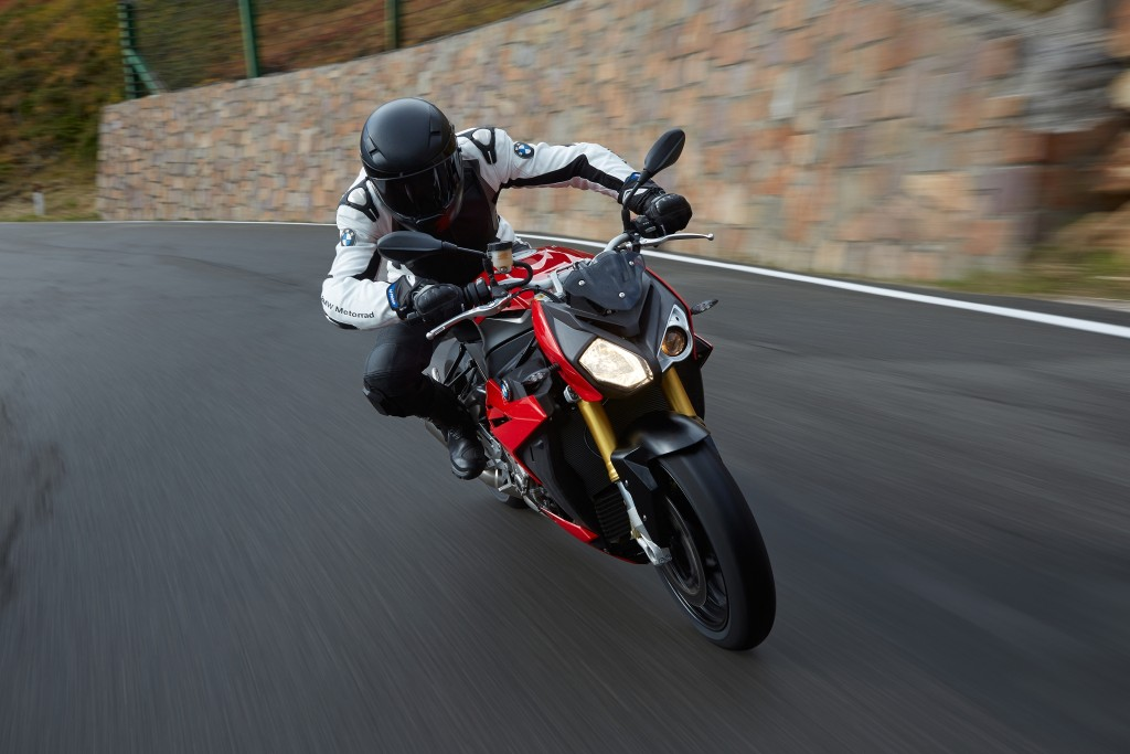 2014-bmw-s1000r-even-more-evil-than-the-rr-photo-gallery 19-1024x683