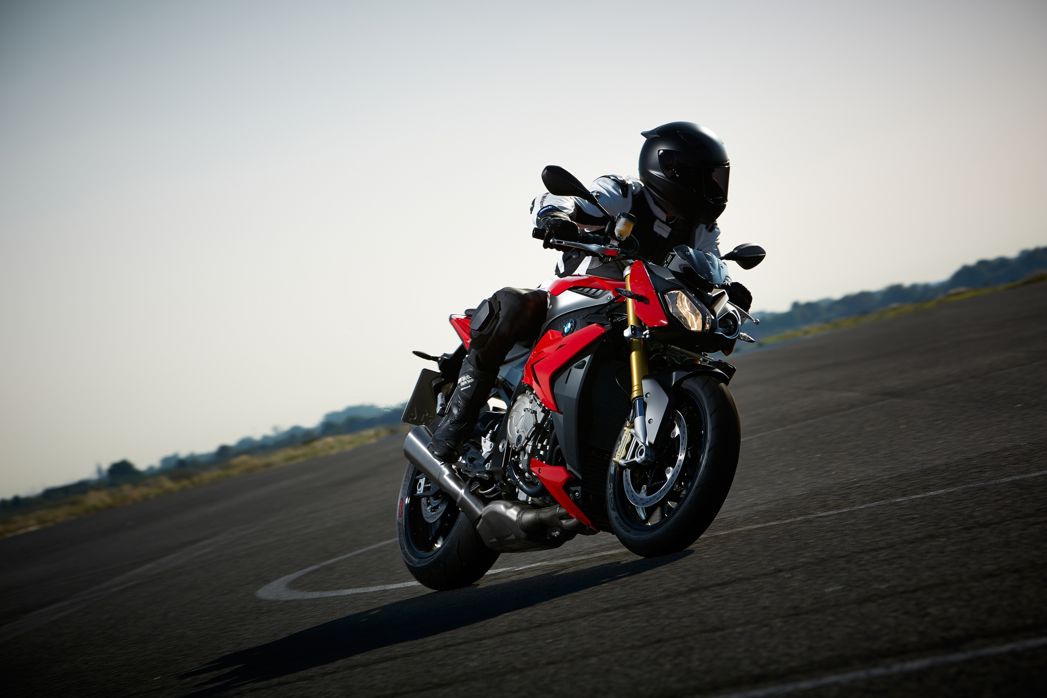 2014-bmw-s1000r-even-more-evil-than-the-rr-photo-gallery 2