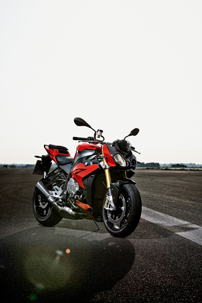 2014-bmw-s1000r-even-more-evil-than-the-rr-photo-gallery 35-682x1024