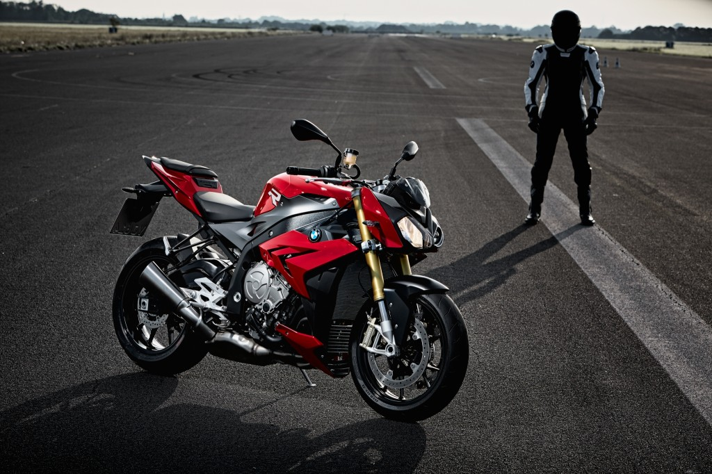 2014-bmw-s1000r-even-more-evil-than-the-rr-photo-gallery 37-1024x682